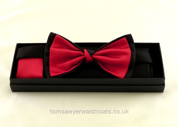 Neckwear : Bowties (Pre-tied) : Black and Burgundy Pre-tied Bowtie with matching hankie