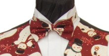 Matching our Russet Snowman waistcoat. Please be aware that due to the size and spacing of the Snowmen, there may only be glimpses of the snowmen showing on this ready- tied bow tie. - Style- TS521N Ready Tied Bow tie- Fabric- Cotton- Colour- Russet/Burgundy-