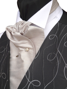 Neckwear : How to tie a Cravat : How to tie a Formal Cravat
